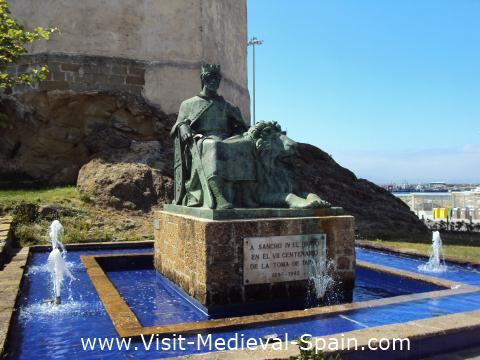 Statue of King Sancho the Great, in front of the Castle of Guzman the Good