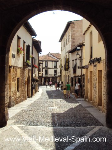 Photo taken looking into Covarrubias through the medieval gates